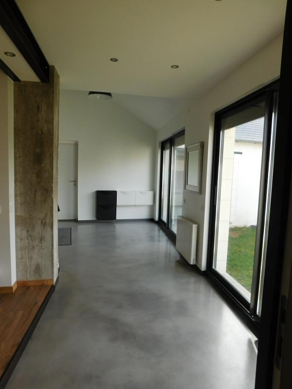 Hall d'entrée de 15 m² avec baies vitrées