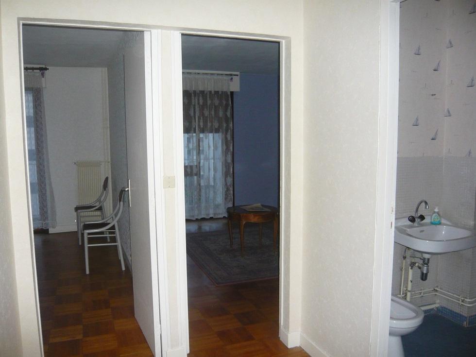 vue de 2 chambres et salle d'eau du dégagement